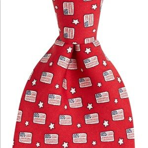 Red Flags and stars vineyard vines tie NWT